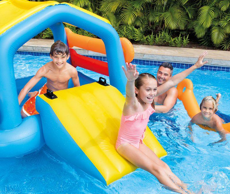 Obowiązkowe wyposażenie – basen ogrodowy!